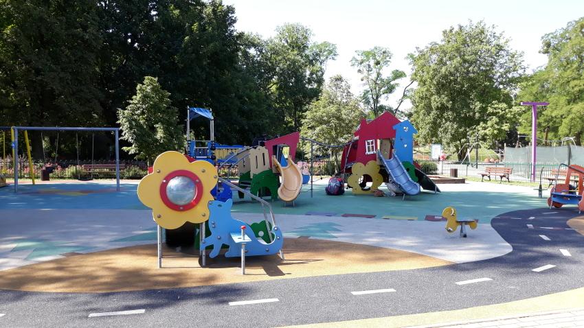 Park Bajka_plac zabaw dla najmłodszych