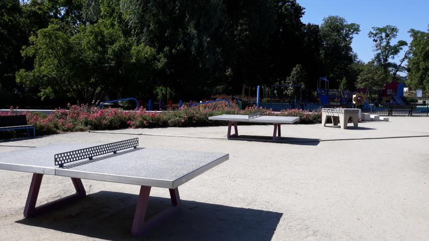 Park Bajka_stoły do pingponga