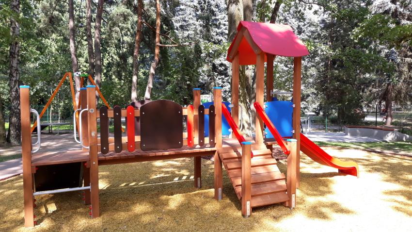 Powsin kolorowy plac zabaw