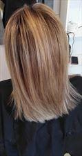 farbowanie włosów, Salon Fryzjerski Majka Klaudia Patyna, Sadki