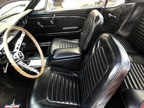 wnętrze klasycznego mustanga, Classy Wedding Cars, Rębiechowo