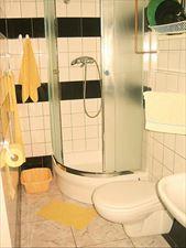 pokoje z łazienką, Jolanta Janowicz Bursztynek, Gdynia