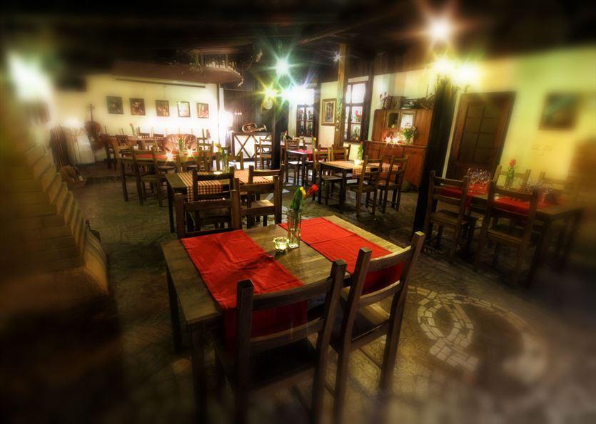 Oferujemy pyszne wina i smaczne dania obiadowe, Restauracja Siedlisko Winiarnia Korek, Gliwice