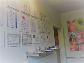 wybielanie zębów, Prywatny Gabinet Dentystyczny Leszek Raczek, Jaworze