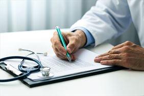 lekarz podczas pracy, Amicus sp. z o.o. Centrum medyczne, Częstochowa