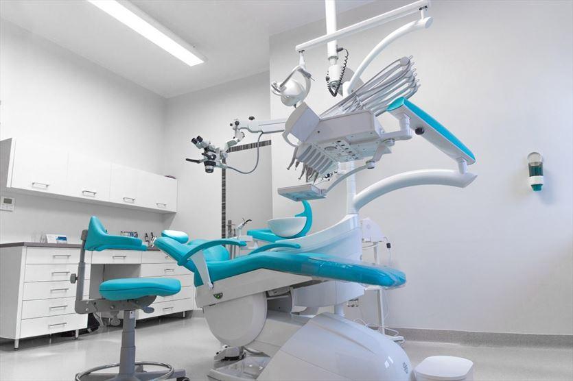 Kompleksowa opieka stomatologiczna, Dental Med Grzegorz Wojcierowski, Wodzisław Śląski