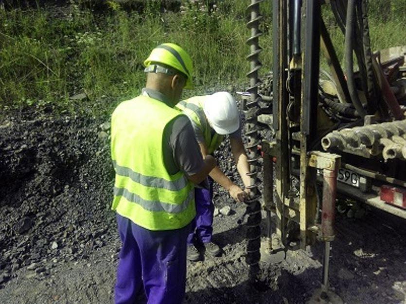 Specjalizujemy się w geologii, geotechnice i hydrogeologii, KoGeo Usługi Geologiczne Konrad Tucharz, Sąspów
