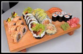 sushi z łososiem, Q_SUSHI S.C. Bujok, Mazur, Dąbrowski, Nowy Sącz