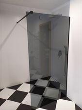 szklane drzwi kabiny prysznicowej, Szkłomania Szklarskie Usługi, Myślenice