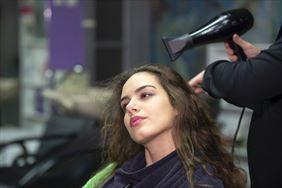 stylista fryzur, U Roberta. Salon fryzjerski damsko-męski, Łęczyca