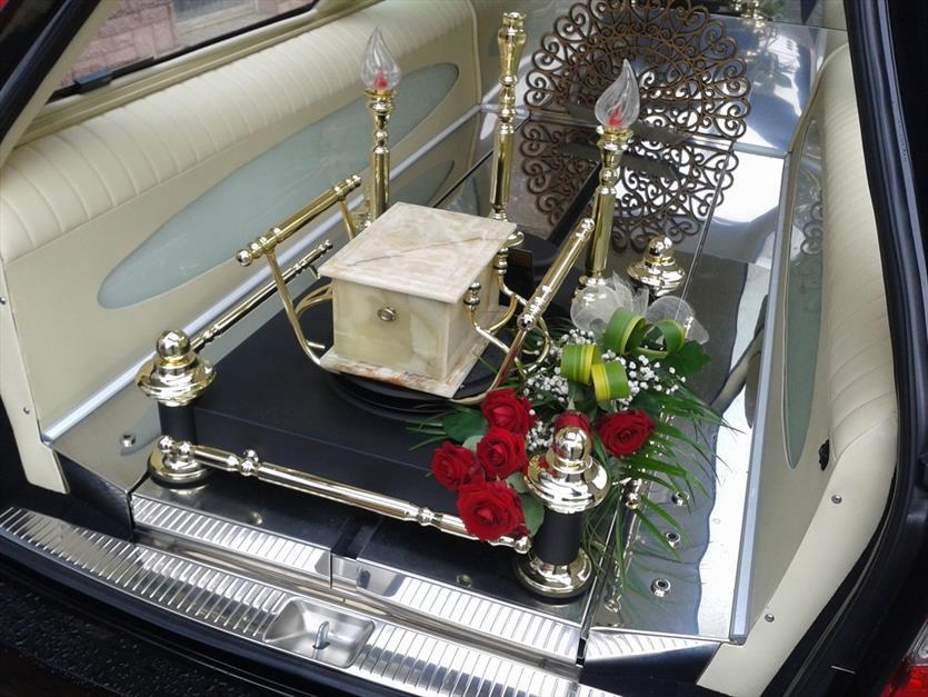 Transport zwłok z domu i na cmentarz, Elżbieta Banasiak FHU, Kutno