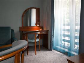 Hotel Walcerek - pokój suite, Walcerek. Restauracja. Hotel, Jarocin