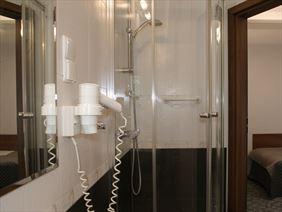 Hotel Walcerek - łazienka, Walcerek. Restauracja. Hotel, Jarocin