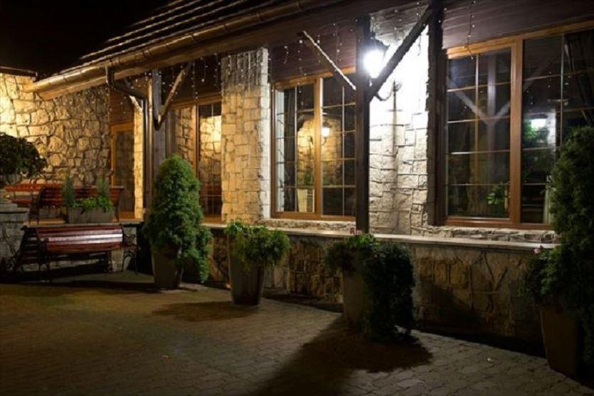 Wysoki standard, doskonała lokalizacja i miła obsługa, Walcerek. Restauracja. Hotel, Jarocin
