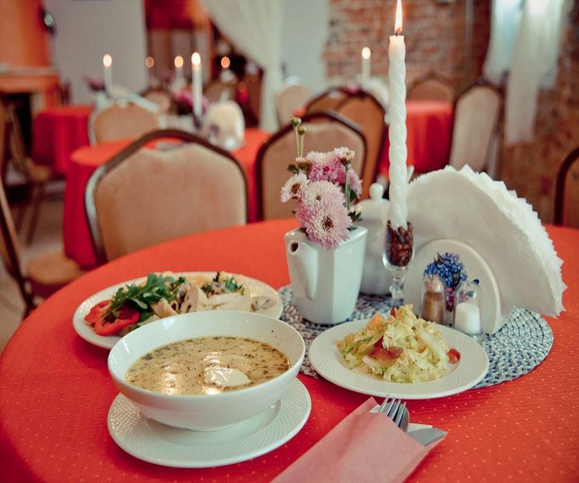 Wyśmienite dania obiadowe i pyszne desery, Firma usługowa Kalia s.c. Barbara Kondejewska, Krzysztof Kondejewski, Tomaszów Mazowiecki