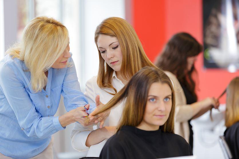 Zapraszamy do naszego salonu fryzjerskiego!, Firma Madzia Magdalena Jędrzejczyk, Kobiele Wielkie