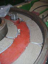 wklejone taśmy ślizgowe w maszynie, Chester Molecular Leszek Kupras, Łódź