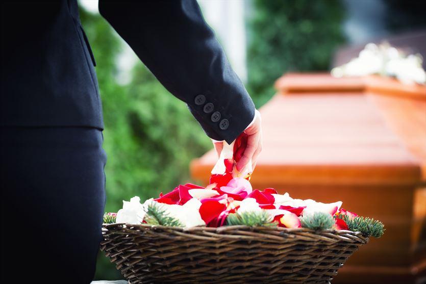 Służymy wsparciem w ostatnim pożegnaniu zmarłego, Dom Pogrzebowy Hades Maksymiuk i Wspólnicy, Biała Podlaska