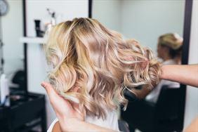 modelowanie włosów, Salon Fryzjerski Justyna Umińska, Szczytno
