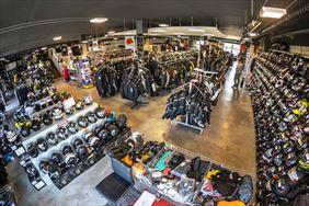sklep dla motocyklistów, X-Moto Sklep & Outlet Motocyklowy, Karaś