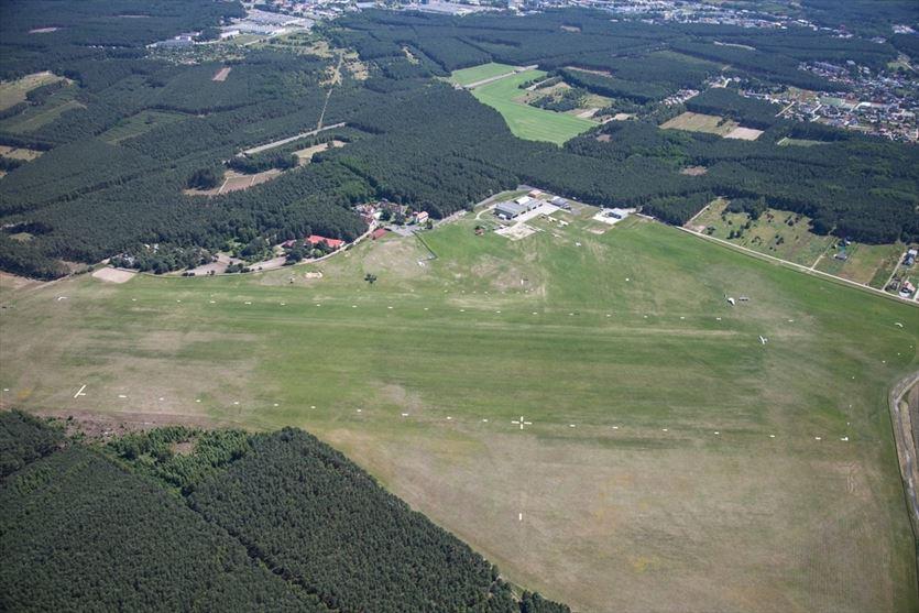 Droga startowa o długości 880 metrów, Aeroklub Ziemi Lubuskiej, Zielona Góra