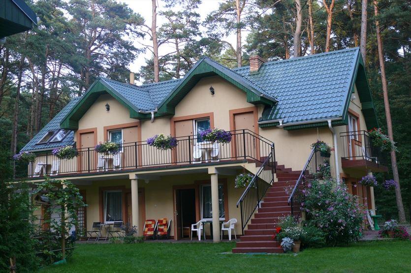 Proponujemy odpoczynek od zgiełku miasta, W lesie Dom gościnny, Pokoje, Wczasy nad morzem., Pobierowo