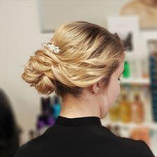 fryzura okolicznościowa, Kleopatra Salon fryzjerski, Toruń