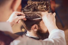 fryzjer męski, Efekt Salon Fryzjersko-Kosmetyczny Dominika Pietrzak, Płock
