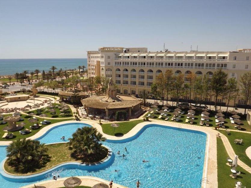 Organizacja imprez turystycznych, Sun Tours Biuro podróży, Radom