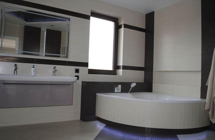 Remontujemy łazienki i inne pomieszczenia , Wojt-Rem Remonty - Wykończenia Wojciech Dziupiński, Marki