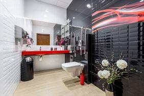 łazienka w gabinecie, White Dental Clinic Przemysław Lutostański, Warszawa