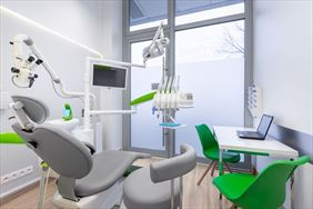 fotel dentystyczny, White Dental Clinic Przemysław Lutostański, Warszawa