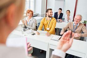 pracownicy w trakcie szkolenia, Esal Business Promotion Office Sp. z o.o., Wrocław