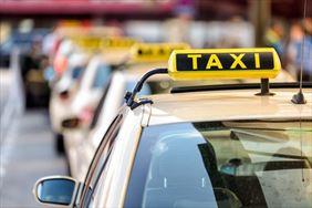 taksówka, Taxi osobowe 44 Dariusz Janik, Lubań