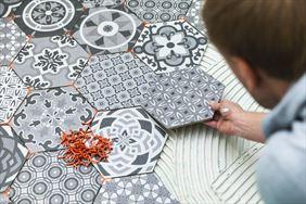układanie mozaiki podłogowej, Okbud Robert Kustra, Wrocław