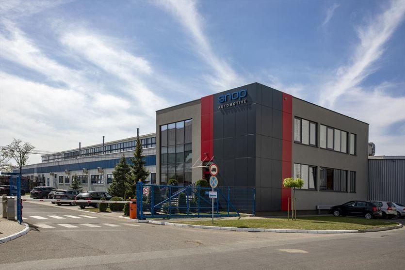 Lider branży motoryzacyjnej w produkcji części nadwozia , Snop Automotive Opole Sp. z o.o., Opole