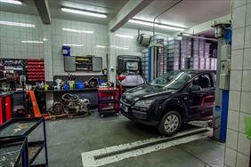 auto w naprawie, Łucar - Automatyczne i Manualne Skrzynie Biegów Łukasz Mielnik, Wrocław