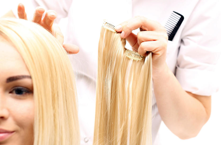 Marzysz o długich włosach? Poznaj sposoby na ich przedłużenie