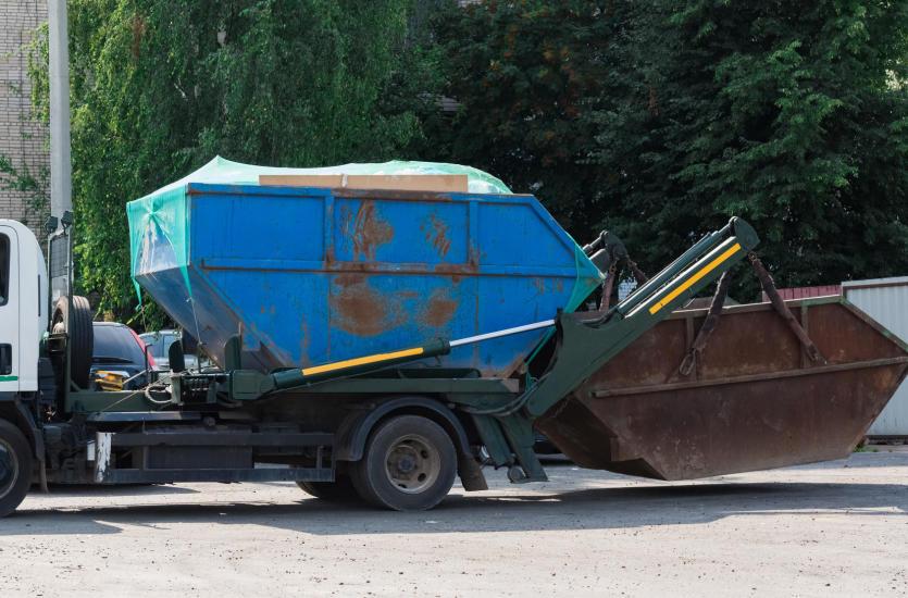Wywóz odpadów przemysłowych przez profesjonalną firmę