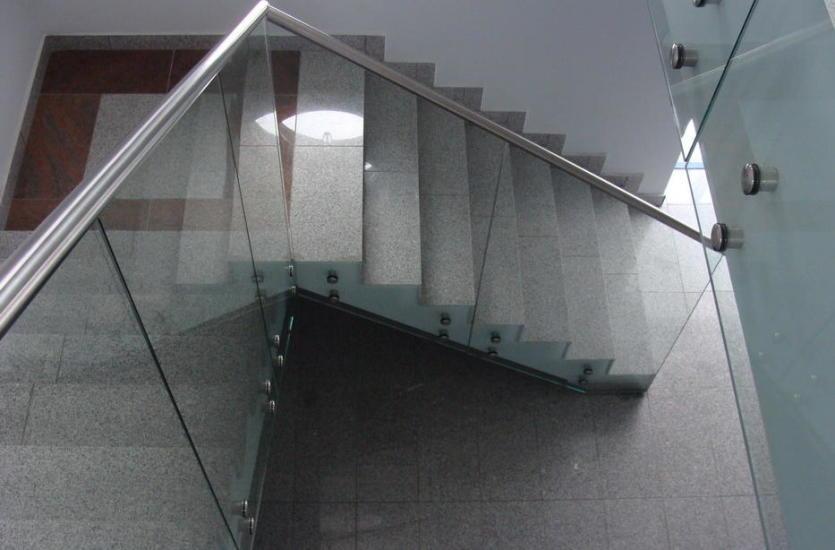 Szkło w nowoczesnej architekturze – wewnątrz i na zewnątrz budynków
