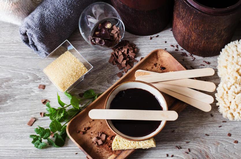 Pielęgnacja na słodko. Właściwości i zastosowanie czekolady
