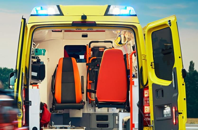 Czym się różni transport sanitarny od medycznego?