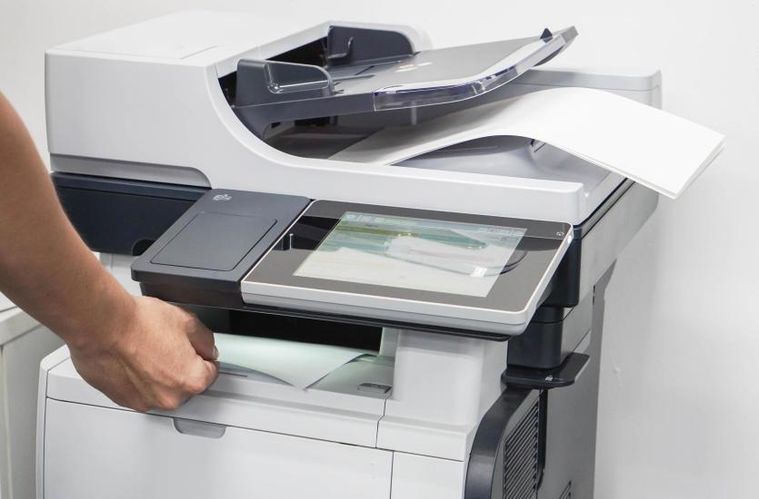 Sprzęt do biura – nowy czy używany? Porównanie