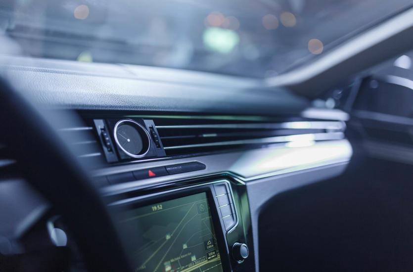 Poradnik – jak wybrać nawigację samochodową?