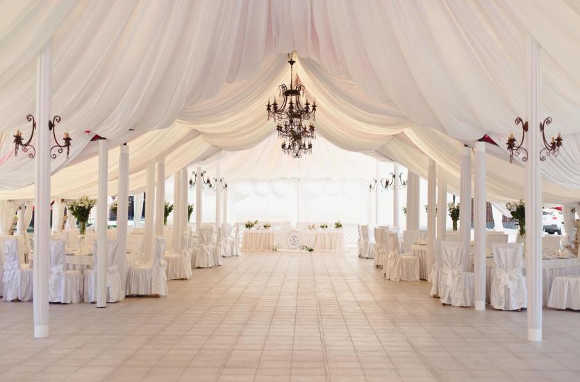 Свадьба в шатре - хорошая идея?
