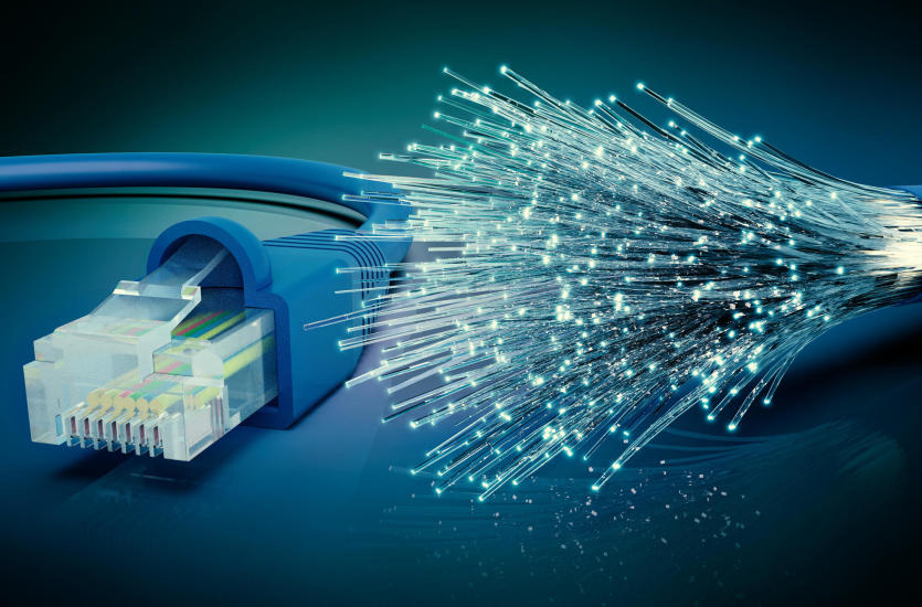 Internet światłowodowy – co to jest oraz czy warto w niego zainwestować?