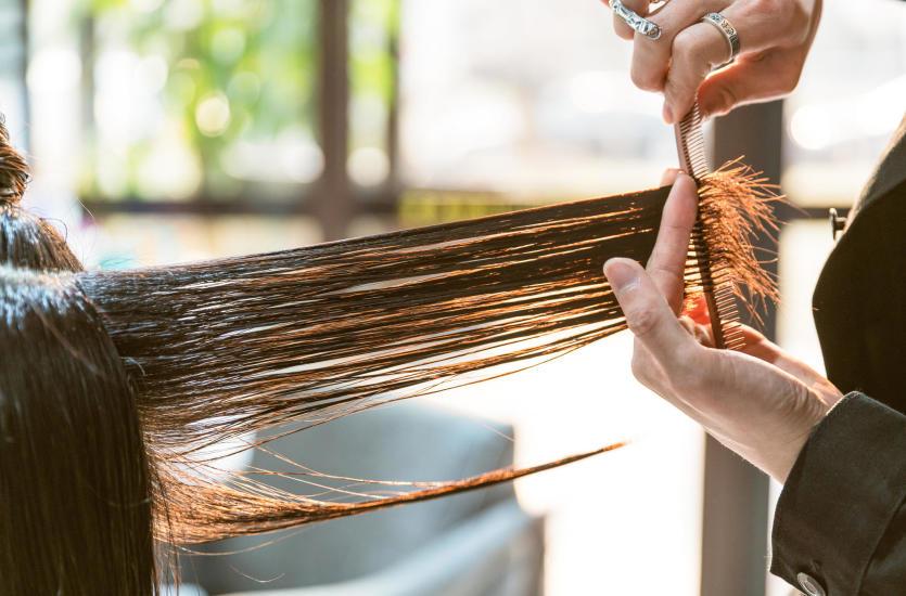 Usługi fryzjerskie w salonie Ultra Violet