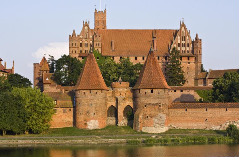 Najpiękniejsze zamki i pałace - pomysł na urlop w Polsce