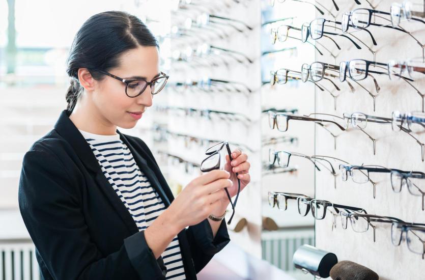 Okulary vs. soczewki kontaktowe
