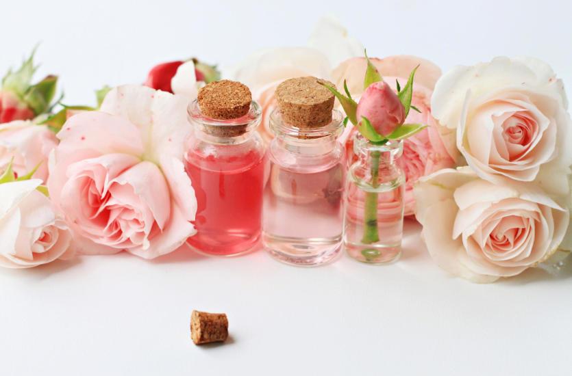 Jakie właściwości ma hydrolat różany?